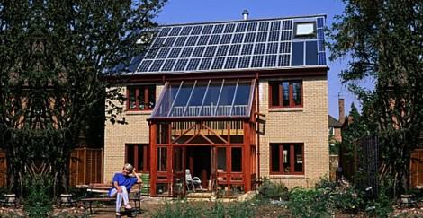 Primera cubierta fotovoltaica en Gran Bretaña / first photovoltaic roof in Britain